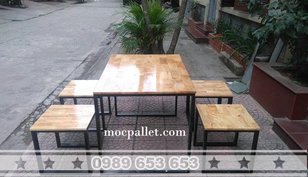 Bàn ghế chân sắt gỗ thông Pallet GCS29