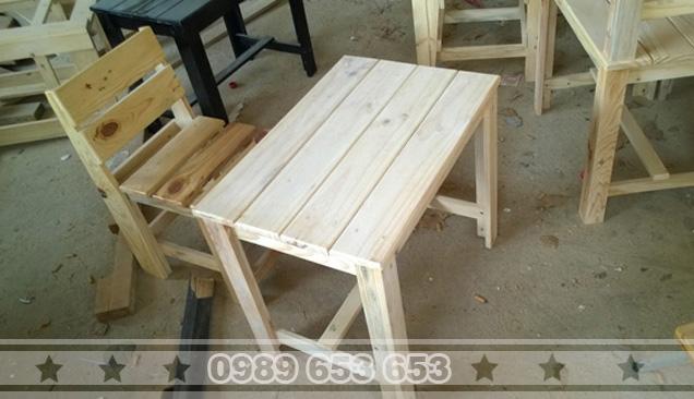 Bộ bàn gỗ thông Pallet B4