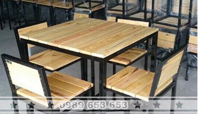 Bàn ghế chân sắt gỗ thông Pallet GCS24