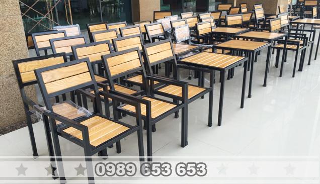 bộ ghế chân sắt gỗ pallet 2