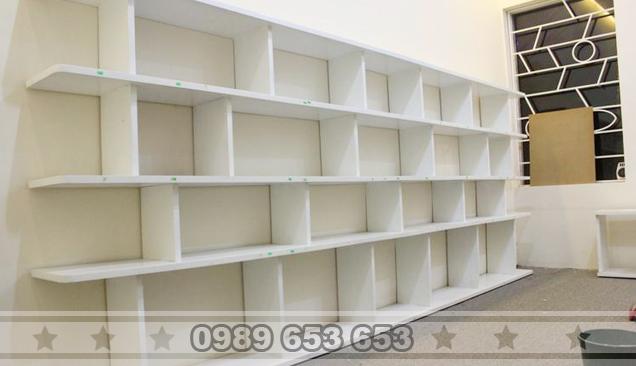Kệ giá treo tường sơn trắng