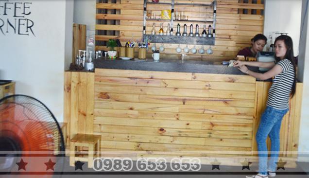 Quầy bar gỗ thông pallet 07