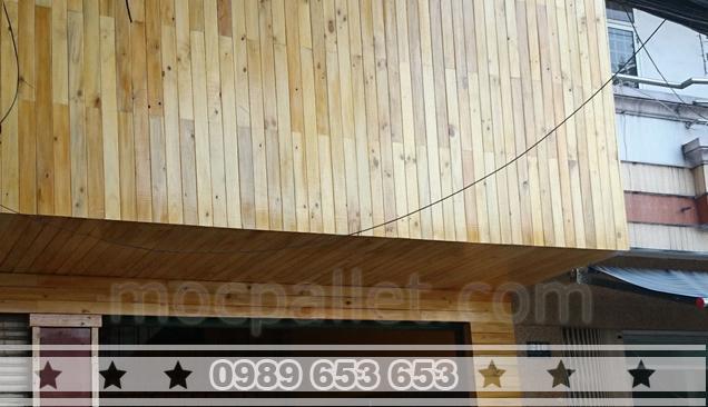 Bảng hiệu gỗ thông pallet BH7
