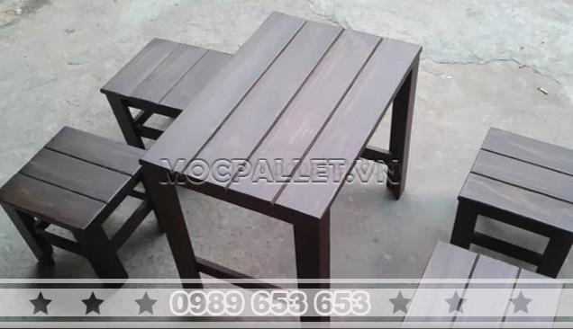 Bàn ghế gỗ thông pallet BG25