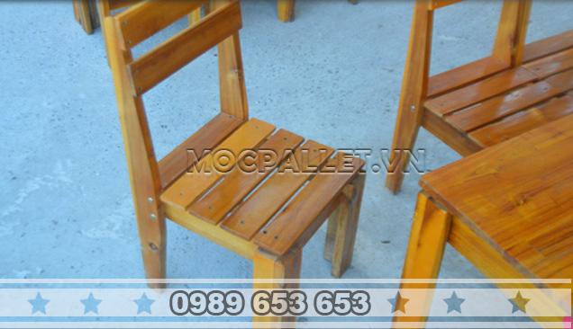 Bàn ghế gỗ thông pallet BG4