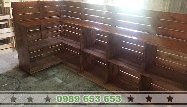 quầy bar gỗ thông pallet giá rẻ 4
