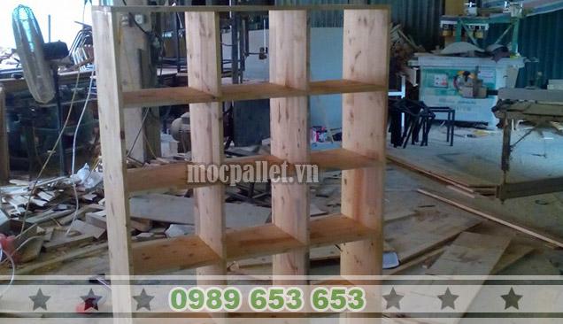 Kệ gỗ thông KG07