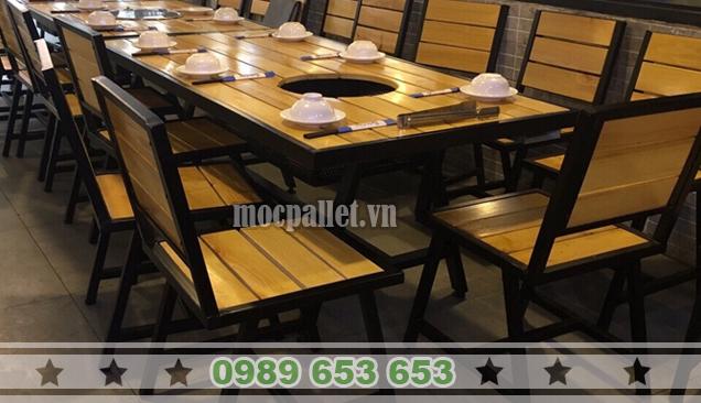 Bộ bàn ghế chân sắt mặt gỗ thông pallet BGS113