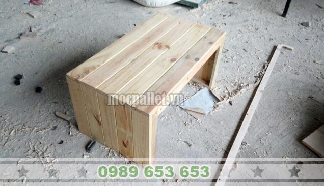 Bàn gỗ thông pallet BT21