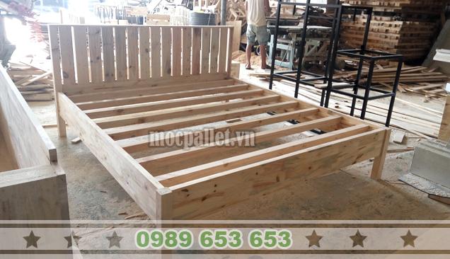 Giường ngủ gỗ thông pallet GN42