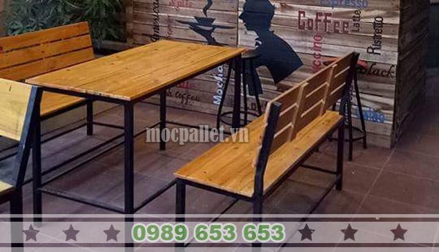 Bộ bàn ghế chân sắt mặt gỗ thông pallet BGS125