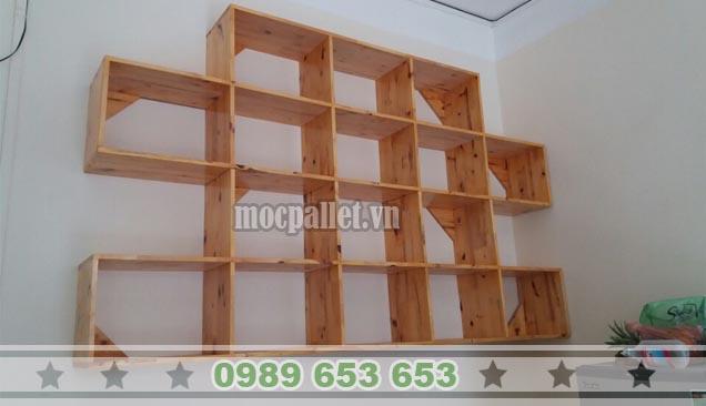 Kệ trang trí treo tường gỗ thông KG28