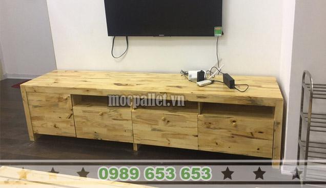 Kệ tivi gỗ thông KTV06