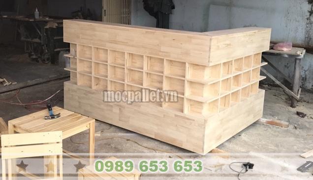 Quầy cafe gỗ thông pallet QB55