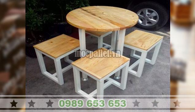 Bộ bàn tròn 4 ghế chân sắt BGS135