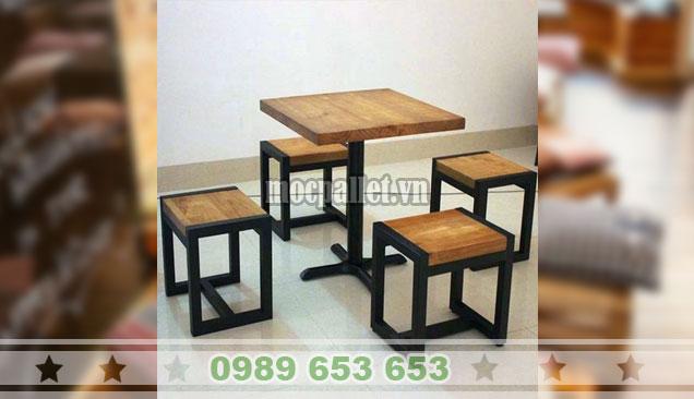 bộ bàn ghế chân sắt gỗ thông nhập khẩu BG134