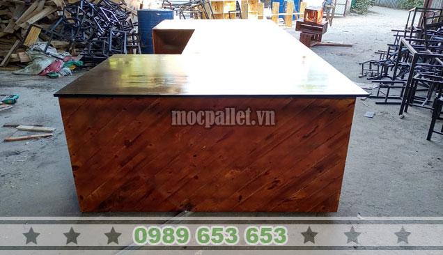 Quầy bar nhà hàng gỗ thông pallet đẹp QB58