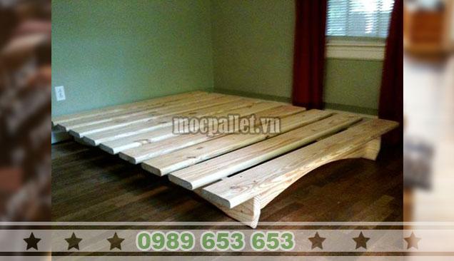 Giường ngủ gỗ thông pallet GN102