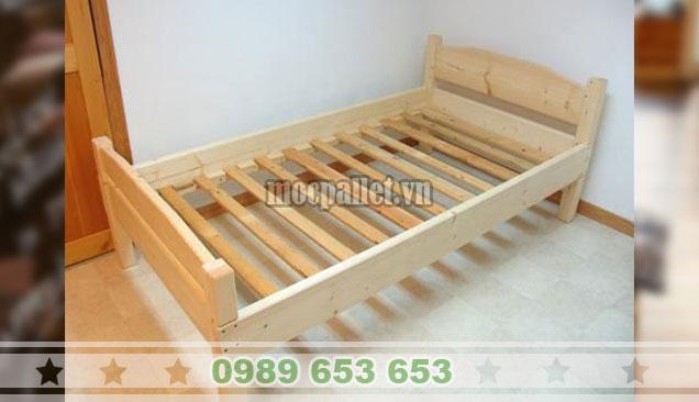 Giường ngủ gỗ thông GN110