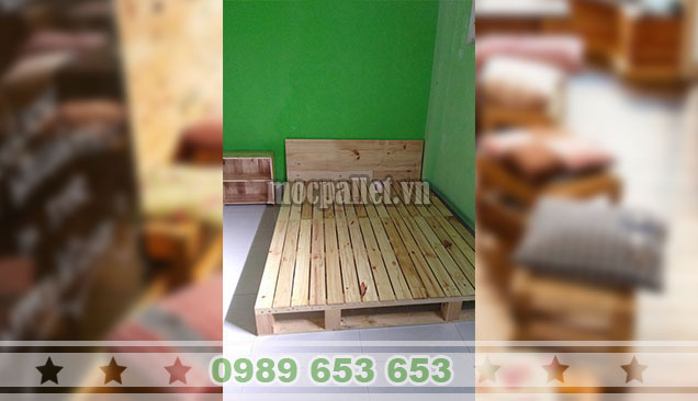 Mẫu giường gỗ thông pallet GN124