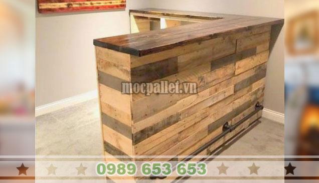 Mẫu quầy bar gỗ thông đơn giản QB68