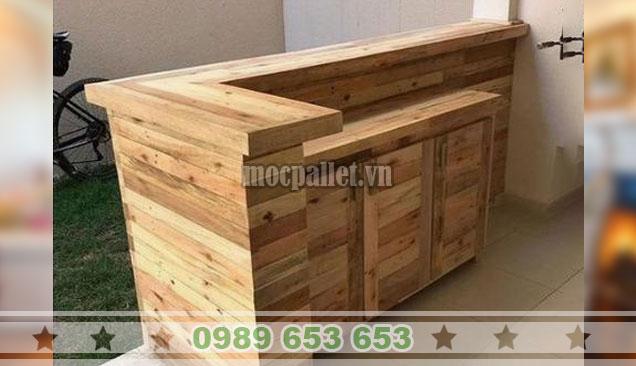 Mẫu quầy bar gỗ thông tại Hà Nội QB69