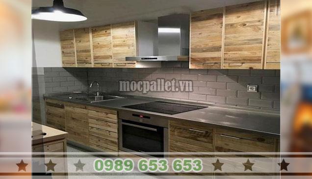 Tủ bếp gỗ thông màu tối TB38