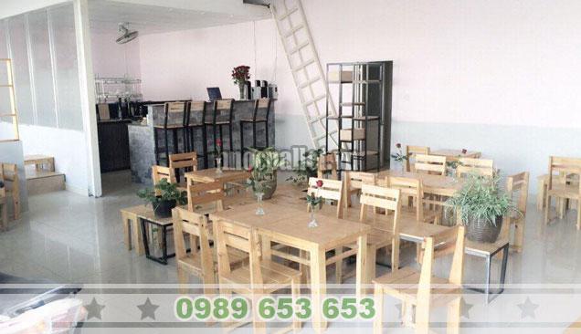 Bộ bàn ghế gỗ thông đẹp cho nhà hàng BG134