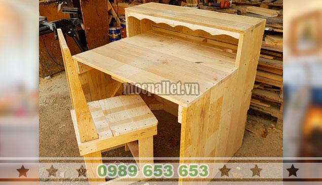 Mẫu bàn ghế gỗ thông đẹp lạ BG152